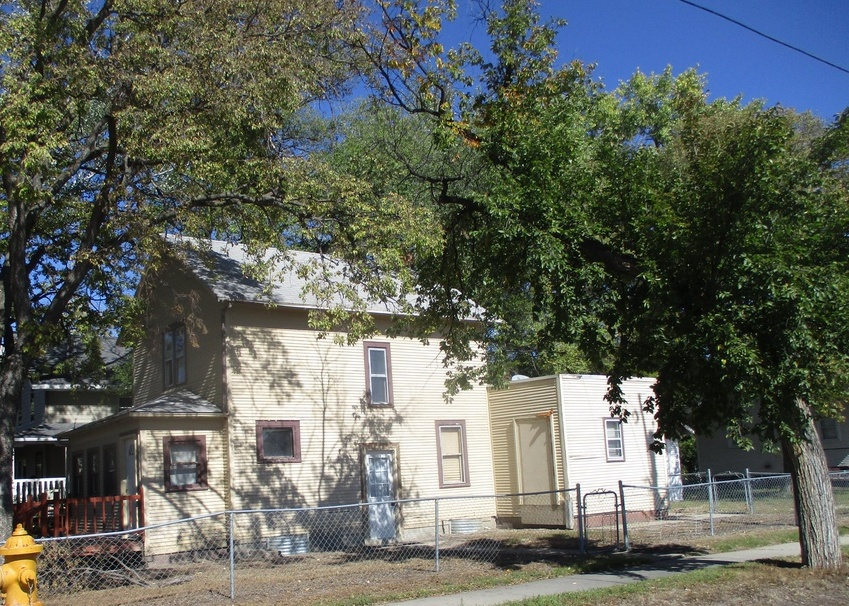 1023 S 2nd St, Aberdeen SD Foreclosure Property