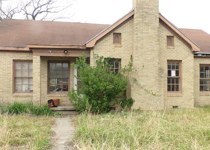 145 S Lucy St, Bartlett TX Foreclosure Property