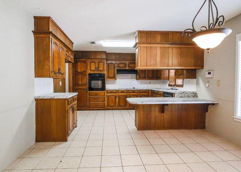 308 Sandalwood Ln, Levelland TX Foreclosure Property