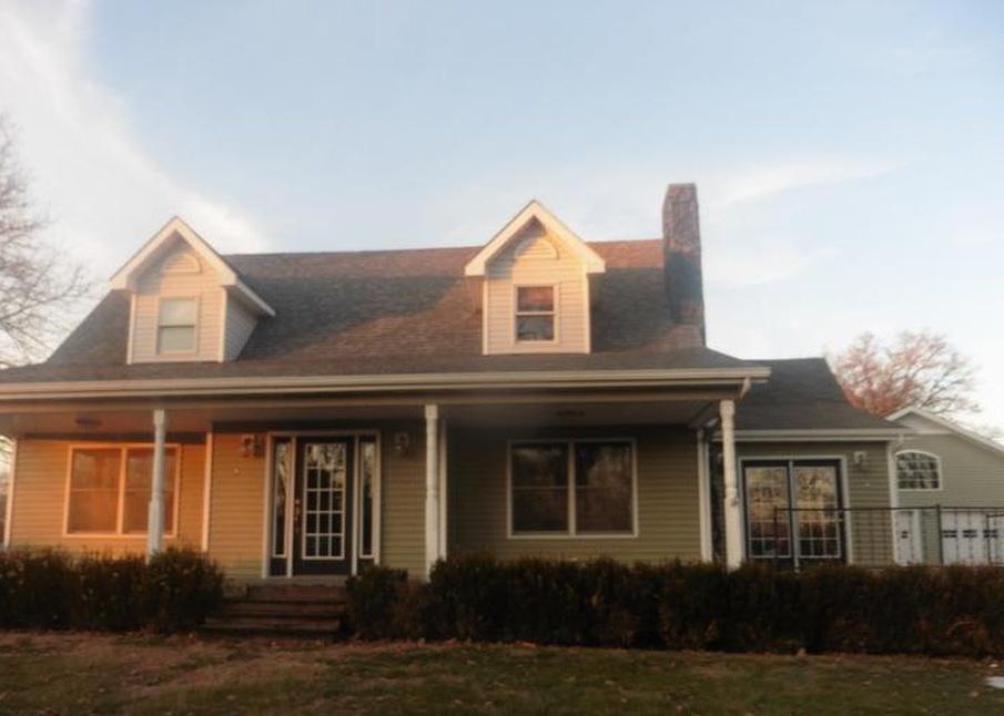 306 Se 10th St, Leon IA Foreclosure Property