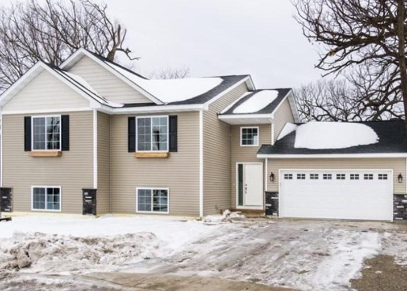 1825 4th Ave, Newport MN Foreclosure Property