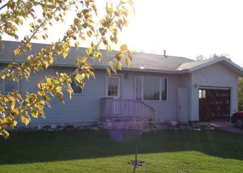 231 N 8th St, Warren MN Foreclosure Property