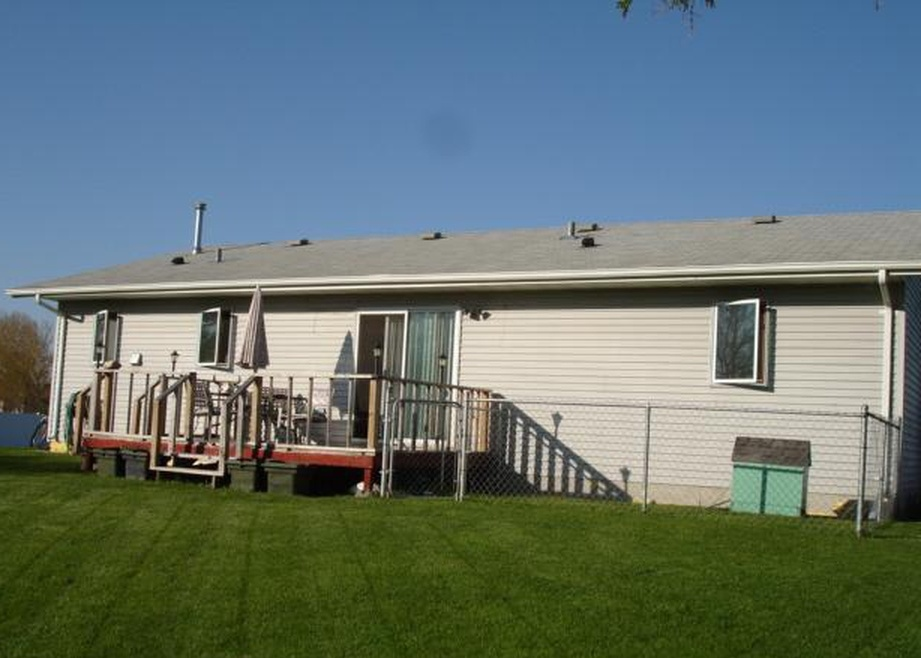 231 N 8th St, Warren MN Foreclosure Property