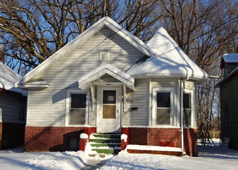612 10th St Ne, Austin MN Foreclosure Property