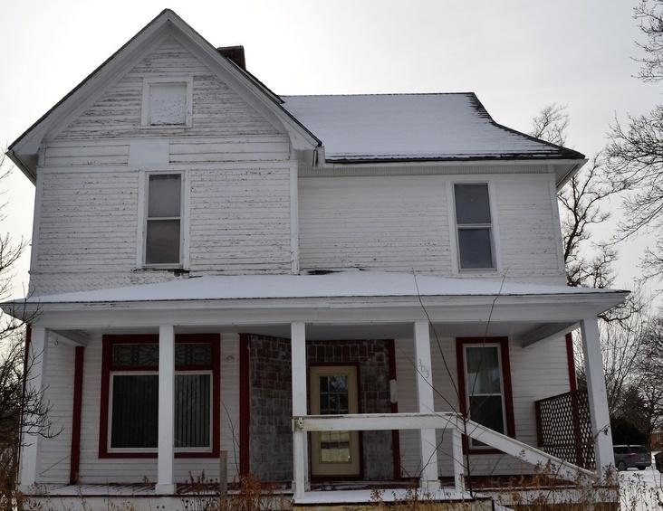 303 E Lincoln Way, Jefferson IA Foreclosure Property