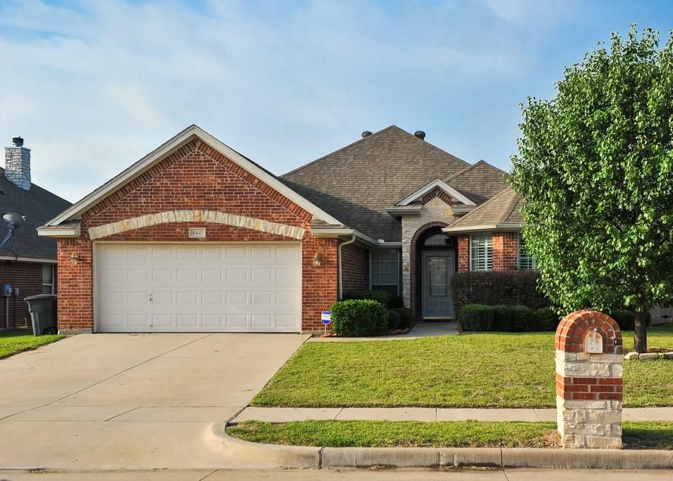 8445 Arroyo Ln, Fort Worth TX Foreclosure Property