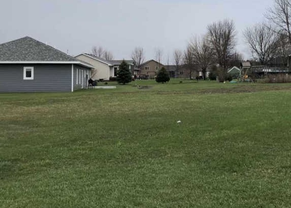 1600 Holiday Dr, Canton SD Foreclosure Property