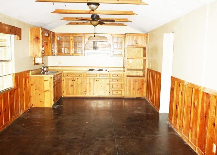 4557 Quail Cutoff, Chandler TX Foreclosure Property