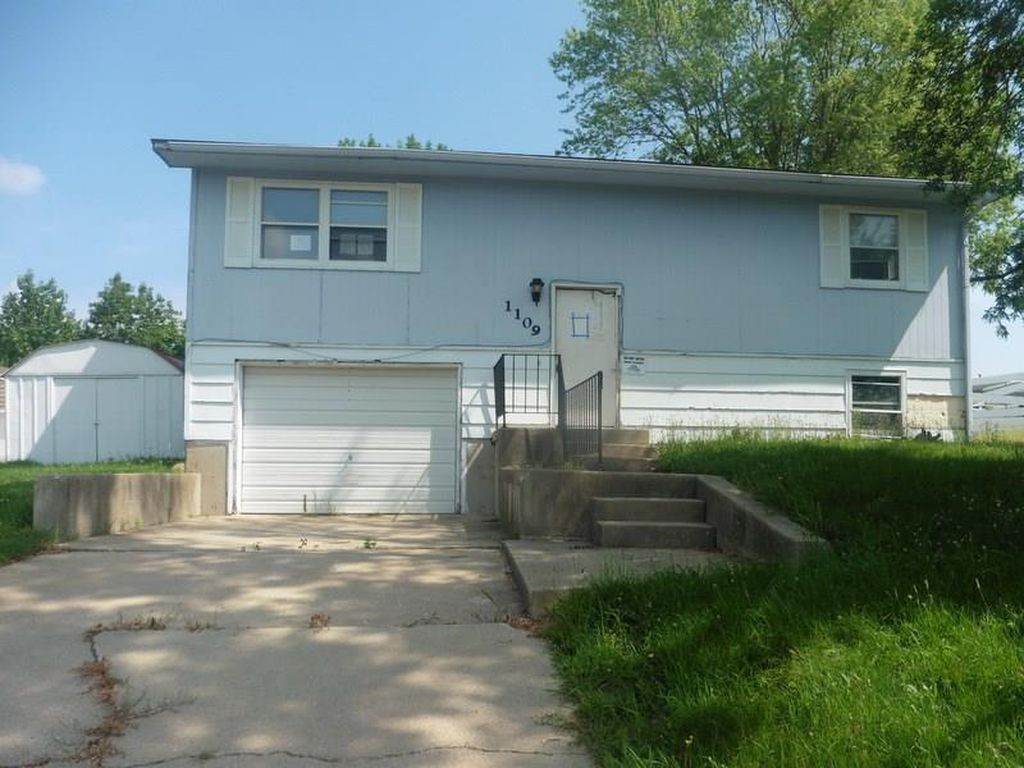 1109 W Ontario St, Centerville IA Foreclosure Property