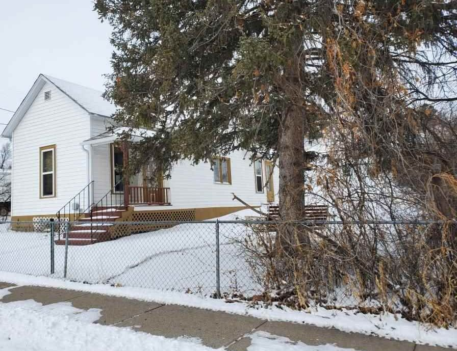 217 W 3rd St, Lusk WY Foreclosure Property