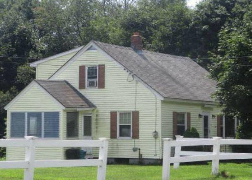 9 Pine St, Baldwinville MA Foreclosure Property