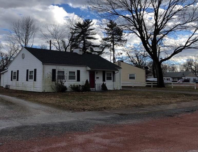 1213 Bel Aire Dr, Belleville IL Pre-foreclosure Property