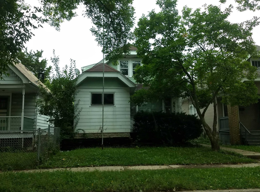 4622 N 38th St, Milwaukee WI Pre-foreclosure Property