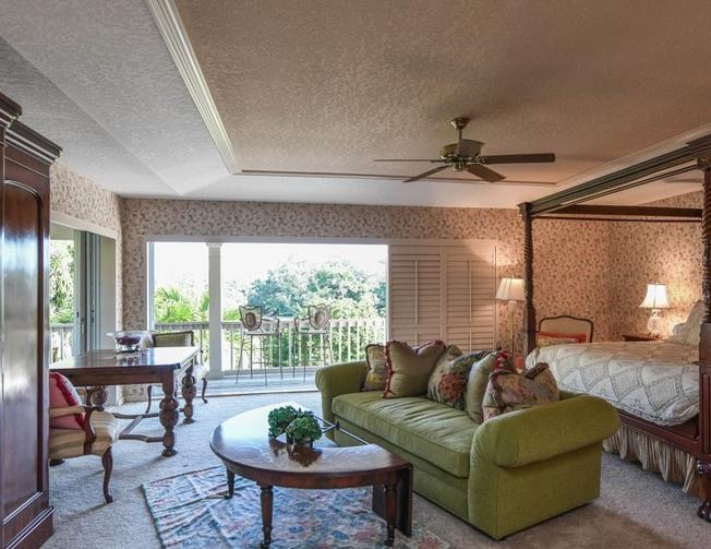 1145 N Lake Shore Dr, Sarasota FL Pre-foreclosure Property