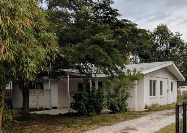2725 Grove Pl, Sarasota FL Pre-foreclosure Property