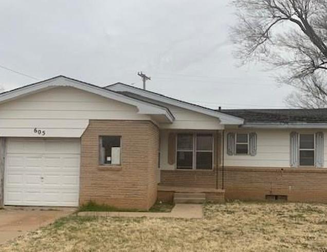 605 Kathy Ave, Altus OK Pre-foreclosure Property
