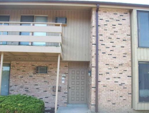 8743 N 72nd St Unit 5, Milwaukee WI Pre-foreclosure Property