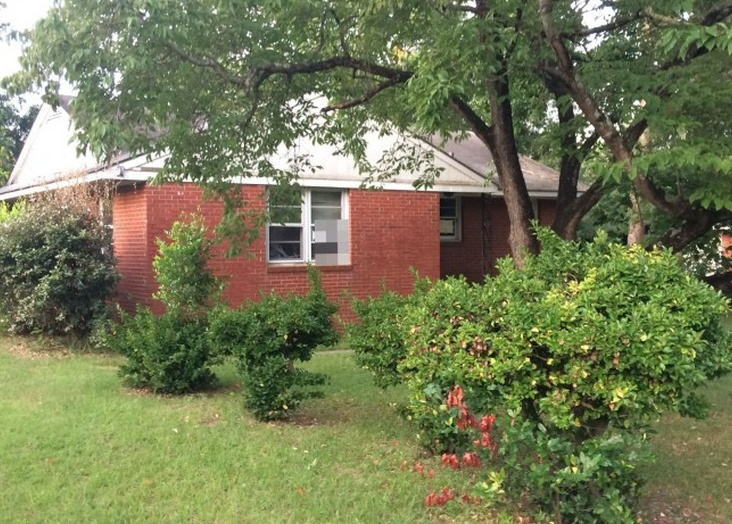 331 Richmond Dr, Fayetteville NC Pre-foreclosure Property