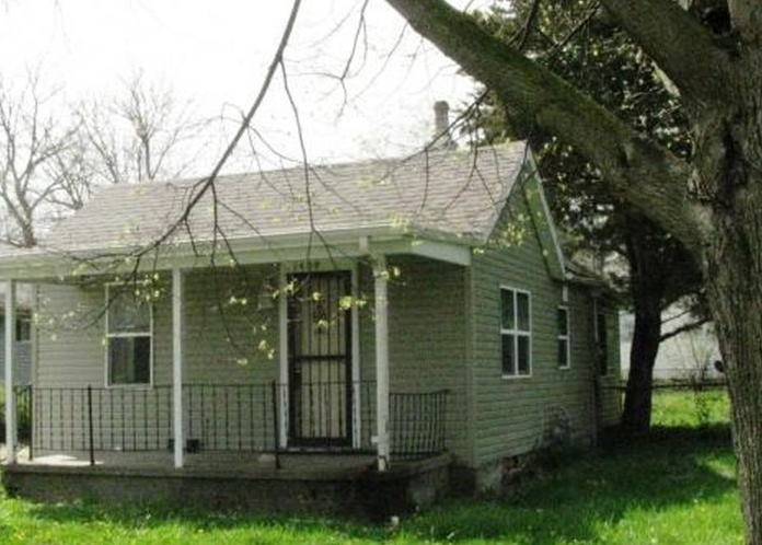 1409 W Eads St, Urbana IL Pre-foreclosure Property