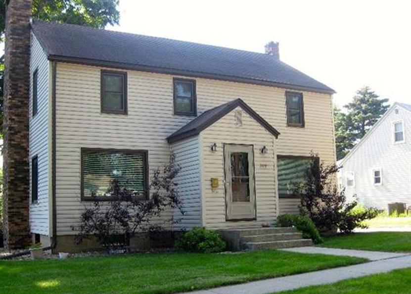 209 N Dwight St, Conrad IA Pre-foreclosure Property
