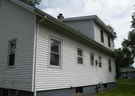 15 Thatcher St, Selkirk NY Pre-foreclosure Property