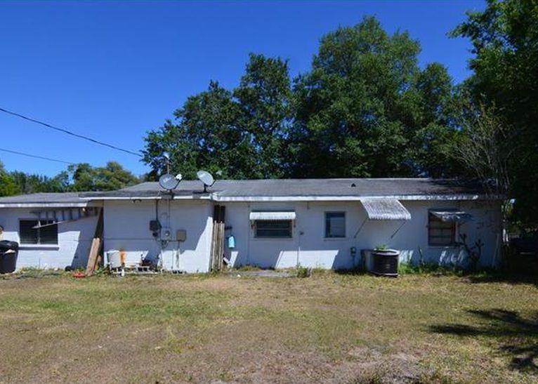 6035 11th St, Zephyrhills FL Pre-foreclosure Property