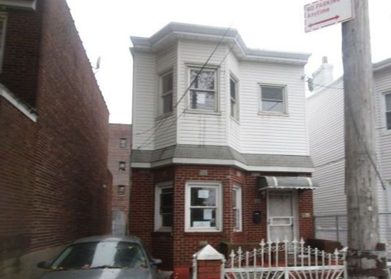 10338 98th St, Ozone Park NY Pre-foreclosure Property