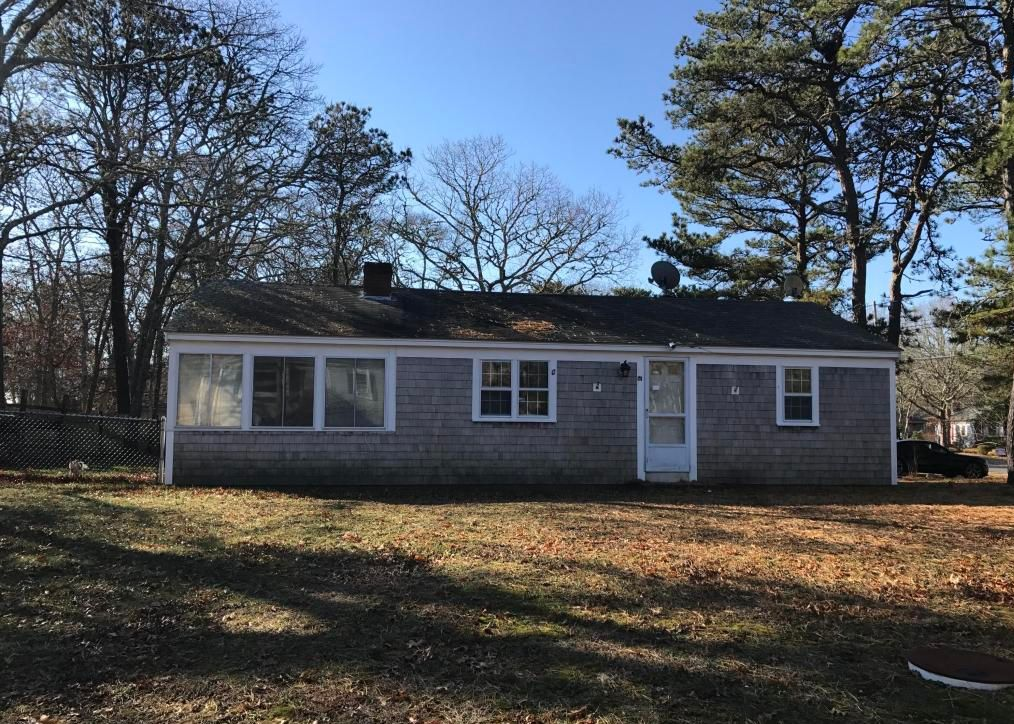 57 Beach Rd, West Yarmouth MA Pre-foreclosure Property