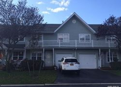 Sunwood Cir, Central Islip