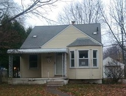 Washtenaw St, Harper Woods, MI Foreclosure Home