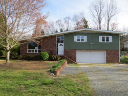28th Avenue Dr Nw, Hickory