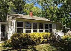Woodlawn St, Hopewell, VA Foreclosure Home