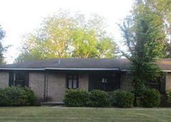 Auburn St, Tuskegee
