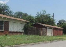 W Dickson St, Fort Worth