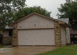 S Shefford Cir, Wichita