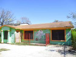 S Meadow St, Laredo