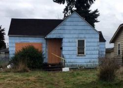 Beech St, Longview, WA Foreclosure Home
