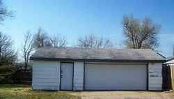 Arthur St, Hutchinson, KS Foreclosure Home