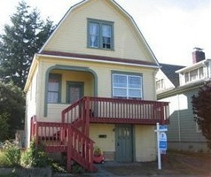 S 6th St, Coos Bay