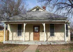 N Plum St, Hutchinson, KS Foreclosure Home