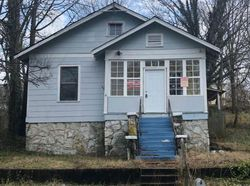 13th Ave, Chattanooga, TN Foreclosure Home