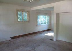 Beacon Ave, Saint Louis, MO Foreclosure Home