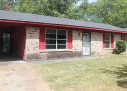 Queen Mary Ln, Jackson, MS Foreclosure Home