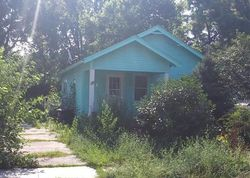 E 22nd St, Des Moines, IA Foreclosure Home