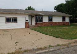 W Cleveland Ave, Ponca City, OK Foreclosure Home