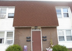 Kenneth St Apt D, East Haven, CT Foreclosure Home