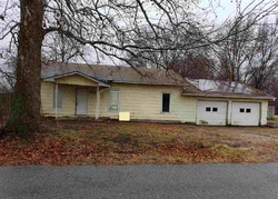 W G Ave, Kingman, KS Foreclosure Home