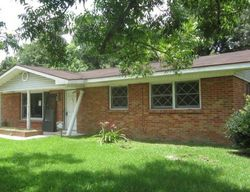 Pinewood Dr, Picayune, MS Foreclosure Home