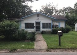 Center Ave, Laurel, MS Foreclosure Home
