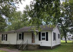Main St, Uniontown, KY Foreclosure Home